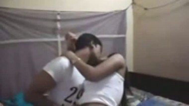 Indian porn tube of sexy figure hostel girl fucked by senior student