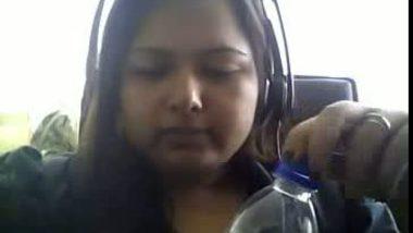 Hot Indian Aunty on Webcam Sqeezing her Naked Big Boobs Mms