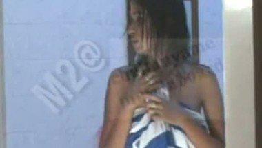 TV Actress – Shweta Tiwari Boobs Show