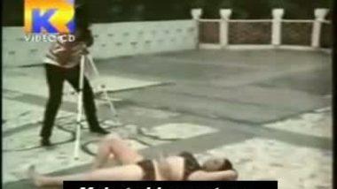 Telugu vamp artist jayalalitha in bikini
