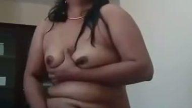 Desi aunty selfmade masturbation video