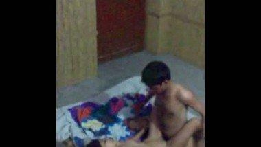 Desi Pakistani Couples Nude on Floor Enjoying Sex Mms
