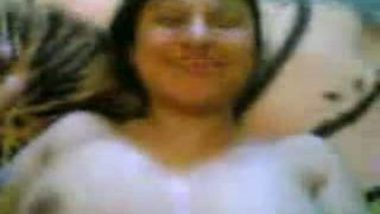 Hot beautiful Iranian lady with her guy hot nude MMS capture!