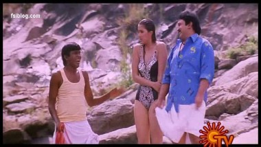 Sakshi in Swimsuit – Suit clad hot structure – FSBlog.com