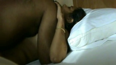 Newly Married Chennai House Wife Fucking In Hotel