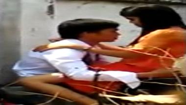 Assam college couple caught fucking outdoor on hidden cam