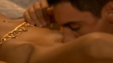 She Lays There While Hot Guy Licks Her All Over