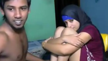 Muslim Horny Guy fuck her girlfriend on the couch