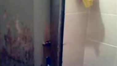 sindhi girlfriend self recorded bath selfie