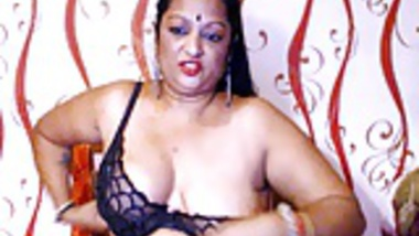 chubby desi nude webcam