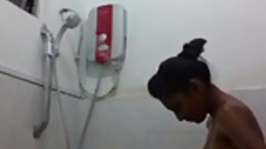 desi girl Selfie took while taking bath