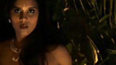 Bollywood Actress Turns Nude