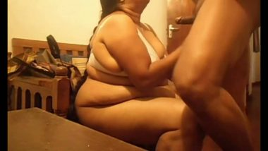 Bbw house wife fucked in bathroom by shop owner
