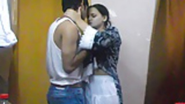 indian hot and spicy sonia bhabhi sucking her man big cock