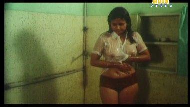 Desi shower sex video busty bhabhi with lover
