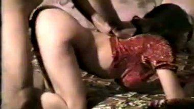 NRI Muslim bhabhi Indian sex with lover