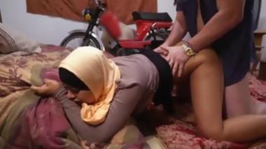 Arab muslim girl webcam hijab and arab virgin virginity sex