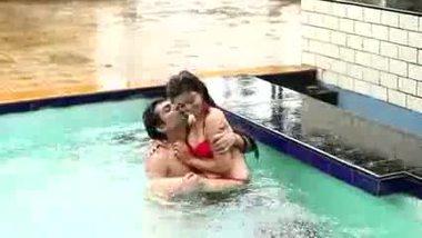 Outdoor sex porn mms scandals of a hot girl in bikini.