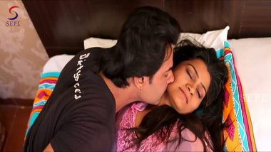 Desi porn video hot bhabhi romance with lover