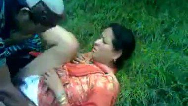 Kashmiri aunty outdoor sex clip