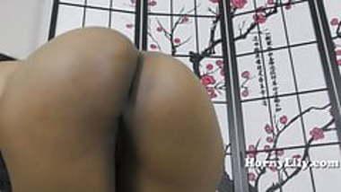 Virtual sex with HornyLily in Marathi