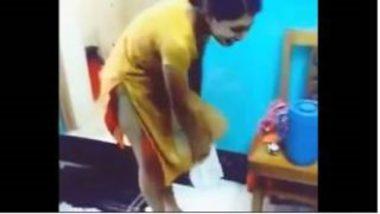Sexy Marathi Aunty Wearing Panty