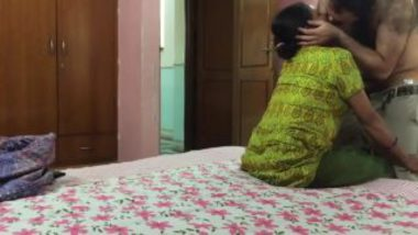 Mature Indian Maid Sucking Penis Of Boss At Bedroom