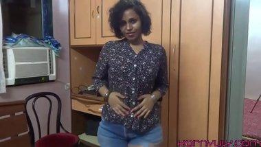 Big Ass Mumbai College Girl Spanking Herself Fucking Her Tight Desi Pussy