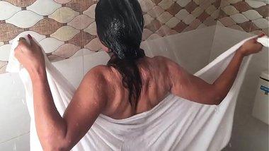 Making Of Hot Bathroom Scene Lal Chhadi In Bathroom Ye Hai Badnaam Rishte Hindi Hot Movie HD