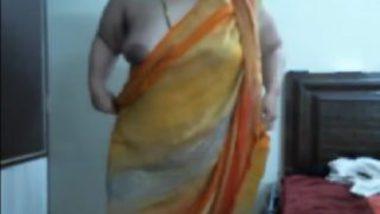 Punjabi mature cam girl naughty sex chat online