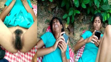 Desi girl bushy pussy show outdoors