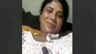 Bhabi Showing Pussy On VideoCall