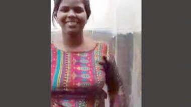 Bangladeshi Hot Girl Bathroom Video Call