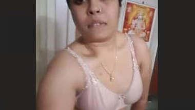 Desi Super Hot Bhabhi Bath Selfie Videos