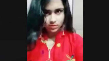 Girl is Very horny,watch her expressions