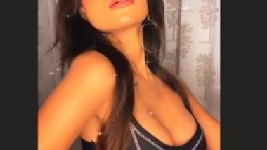 Annie Sharma Hot Sexy Clip