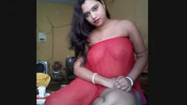 Sexy Boudi Showing Her Boobs and pussy