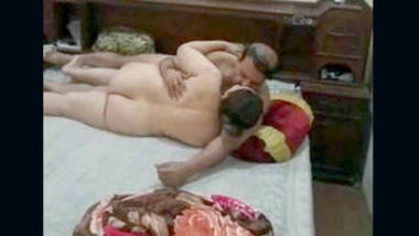 Hot Indian Mom dad fucking , spy video