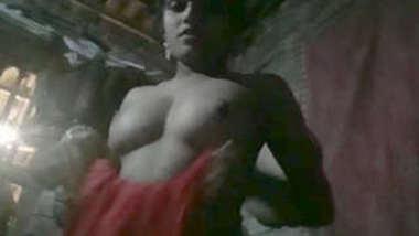 Desi village bhabi show her sexy body on cam