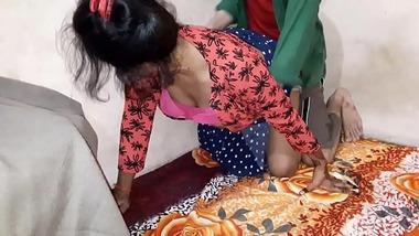 Punjabi hot girl ki chudte hue kuwari bur ki seal phati