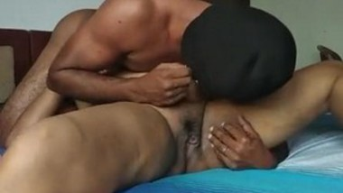 Srilankan wife pussy licking