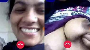 Desi wife Geeta Devi showing boobs on video call