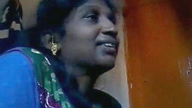 Mallu Bhabhi Handjob