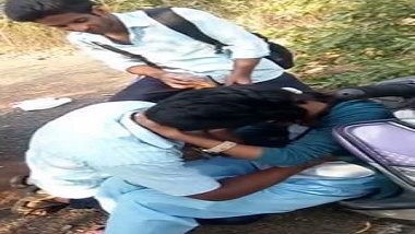 College students kissing outdoor desi mms sex scandal | Hindi
