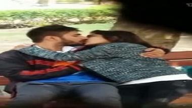 Outdoor hidden cam desi mms sex scandal of Bengaluru girl