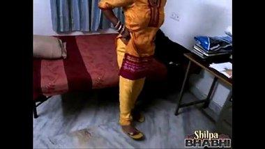 Bhojpuri Bhabhi Shilpa Showing Chut And Boobs