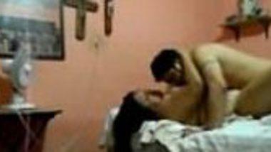 Delhi Hindi typist office girl real chut chudai in Karol Bagh hotel
