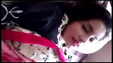Gurgaon mai sundar maid se chudai ki Hindi blue film