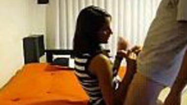 Neighbor sexy desi girl hidden cam chut chudai MMS leak scandal