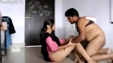 School ke Hindi teacher or girl student ka xxx sex scandal